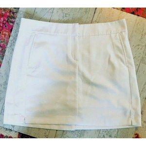 IZOD Golf Skort White Size 10 w/ slits
